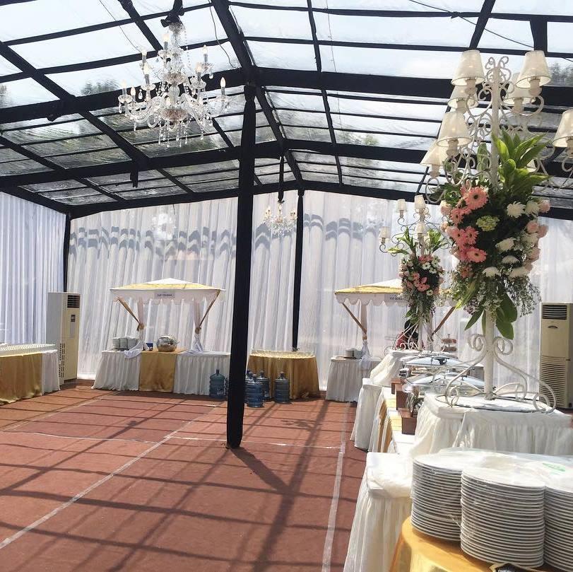 Tenda transparan untuk acara lamaran