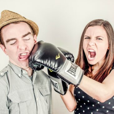 Cara mengatasi pertengkaran antara suami istri